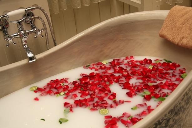 Steps To Take A Detox Bath At Home