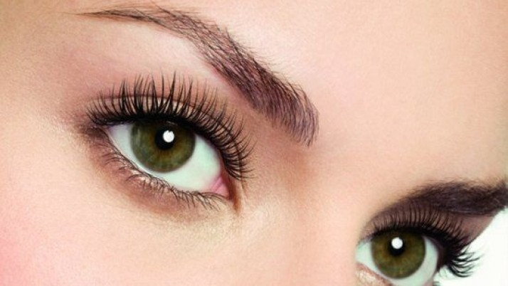 Make your eyelashes grow