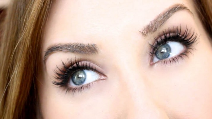 Tweezing, fakes and mascara tips for eyebrows and eyelashes