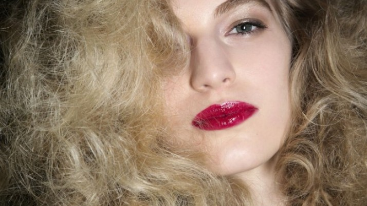 Genius Ways to Tame Frizzy Hair