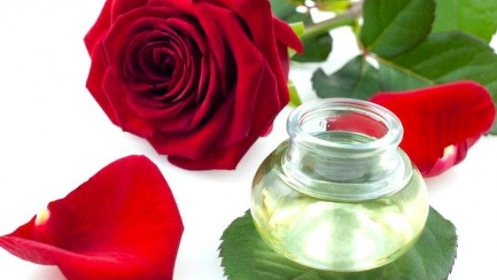 Simple Ways To Use Glycerin With Rose Water And Lemon Juice