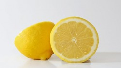 HOW TO USE LEMON TO GET RID OF DANDRUFF
