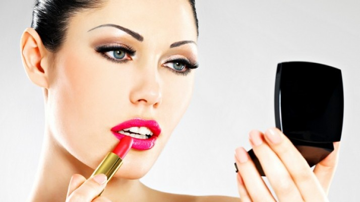 How Long Should You Keep Makeup?