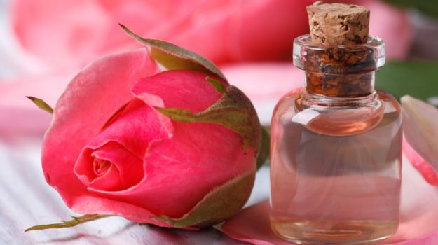 How To Use Rose Water To Treat Dry Skin?