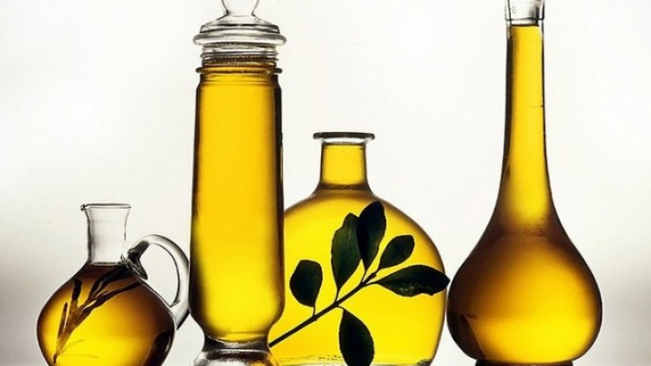 Olive oil as makeup remover