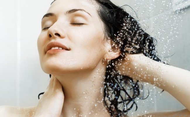 SIMPLE WAYS TO REMOVE HAIR DYE/COLOR FROM HAIR