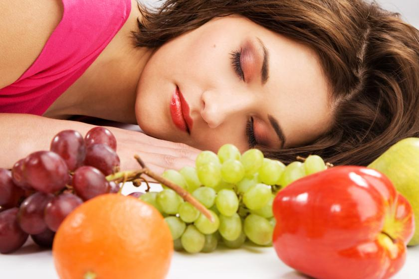 The Worst Eating Habits for Your Sleep